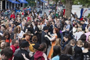 670+ people at World Record Tea Dance in Edinburgh, 2012